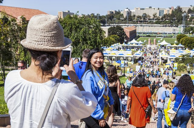 Admitted students and their families packed the top of the Janss Steps on Bruin Day to take photos of the UCLA campus.