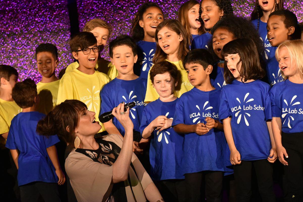 Idina Menzel and the UCLA Lab School choir