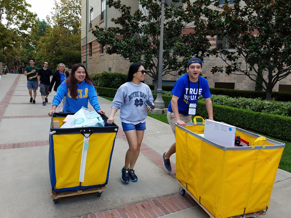 Ucla Packs In Events To Welcome More Than 9000 New Bruins To Campus
