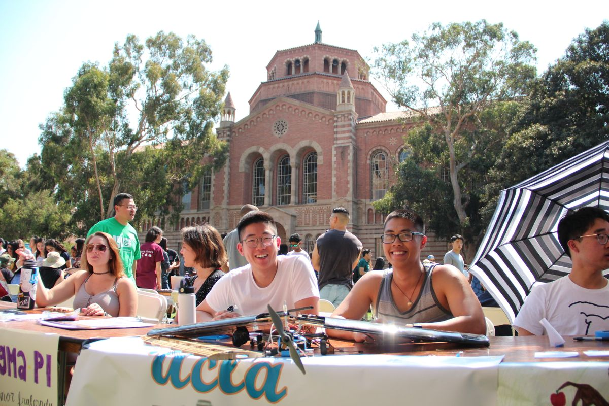 Design Build Fly club at UCLA's Enormous Activities Fair
