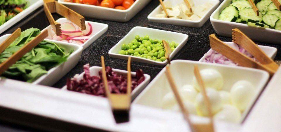 UCLA dining hall food