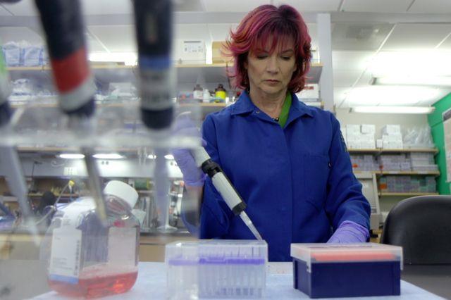 Rachelle Crosbie-Watson in her lab.