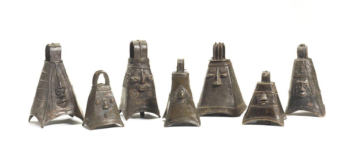 Quadrangular bells
