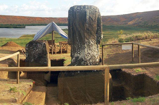 Moai 156 and 157