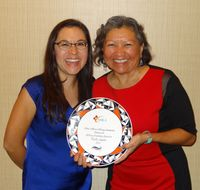 Paulita Aguilar receives Libary Leadership Award