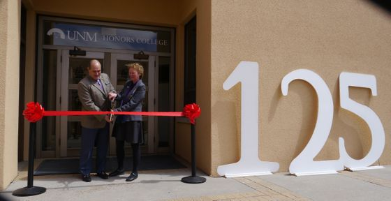 Honors College ribbon-cutting