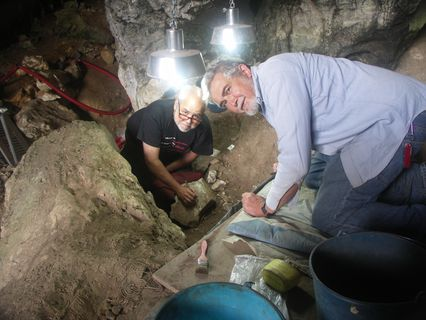 Straus at work in El Miron cave