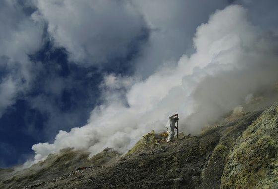 Probing for volcanic gases