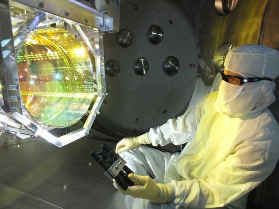 Inspecting LIGO's optics
