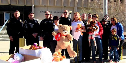 BeKind Committee members with Albuquerque Police Officers