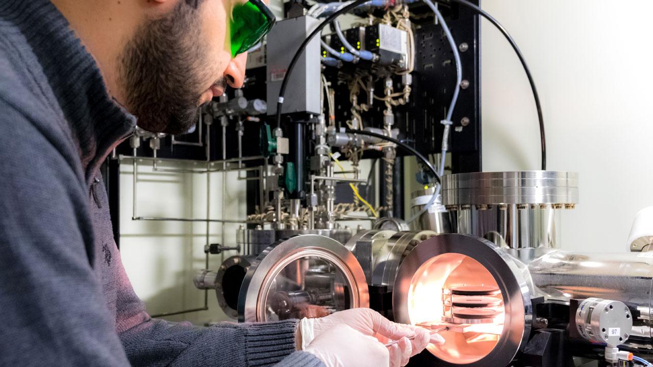 UNM researchers tackle next gen power devices