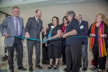 Clinic ribbon cutting in Albuquerque's North Valley