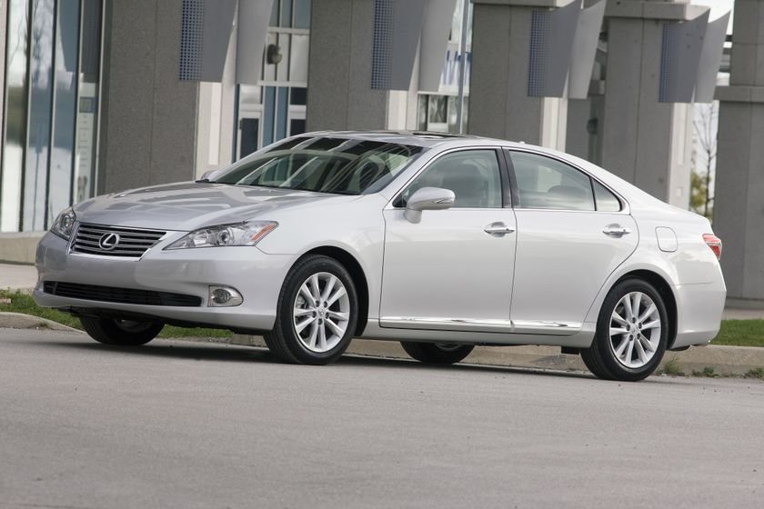 the 2010 lexus es 350 luxury sedan features refreshed intuitive design advanced standard safety. Black Bedroom Furniture Sets. Home Design Ideas