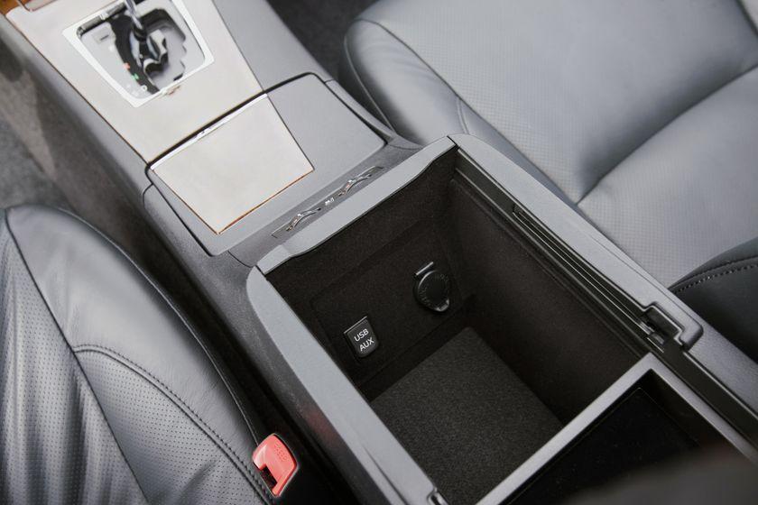 2011 Lexus ES350 28