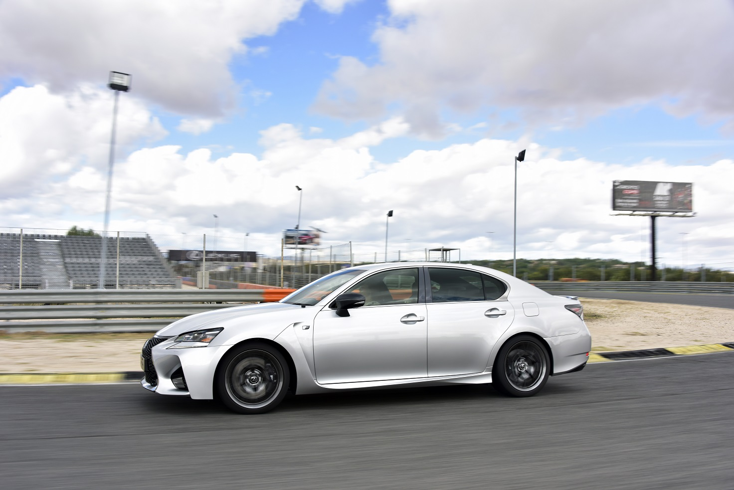 La berline haute performance Lexus GS F 2017 : l'authentique plaisir de conduire