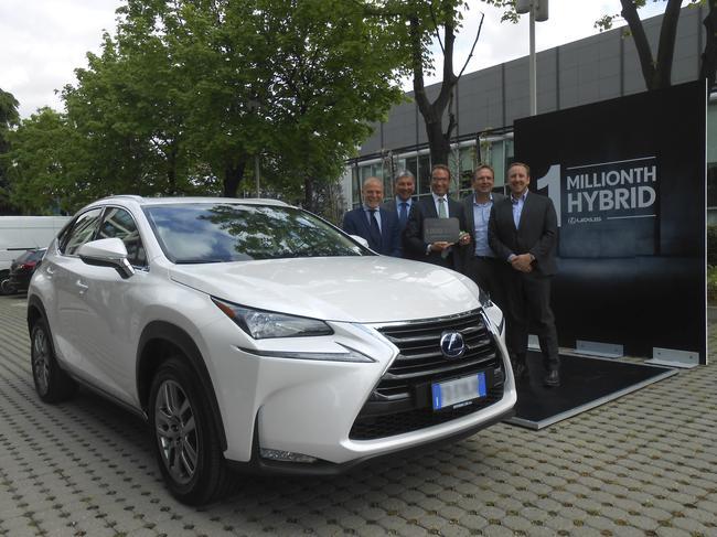 Un million de mercis aux propriétaires d'hybrides Lexus