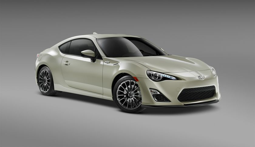 2016_Scion_FRS_RS2_F34_PS_001