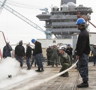 USS Abraham Lincoln (CVN 72) Catapult Test