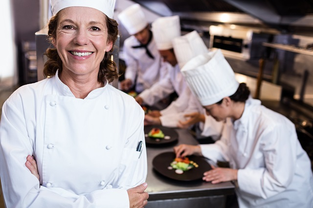 chef-staff-increasing-minimum-wage-header