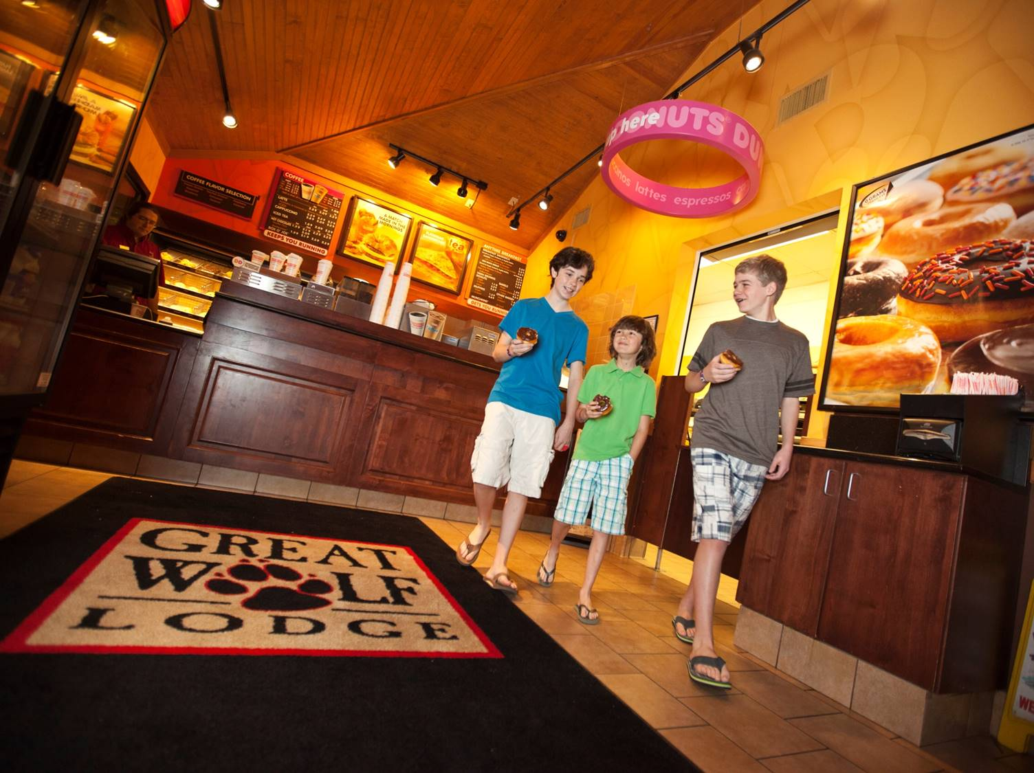 Dunkin Donuts Opens Eighth Great Wolf Lodge Location In