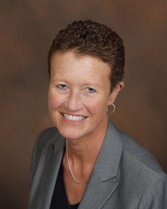 Heidi Hahn joins Associated Bank as senior vice president, senior marketing manager