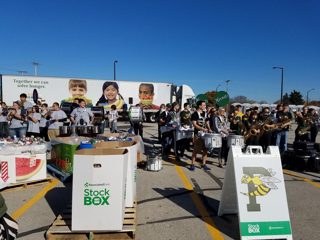 Stock The Box For Hunger Collects Food For Local Families On Sept 23 At Lambeau Field Associated Bank