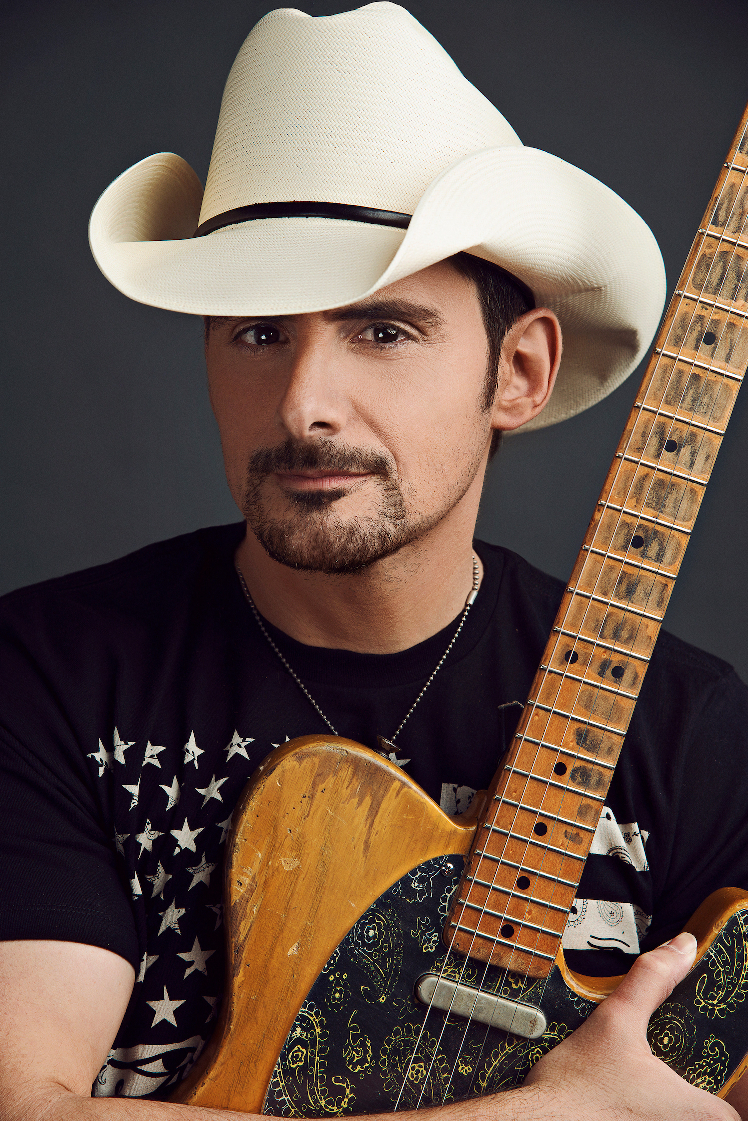 Brad Paisley fires up ...