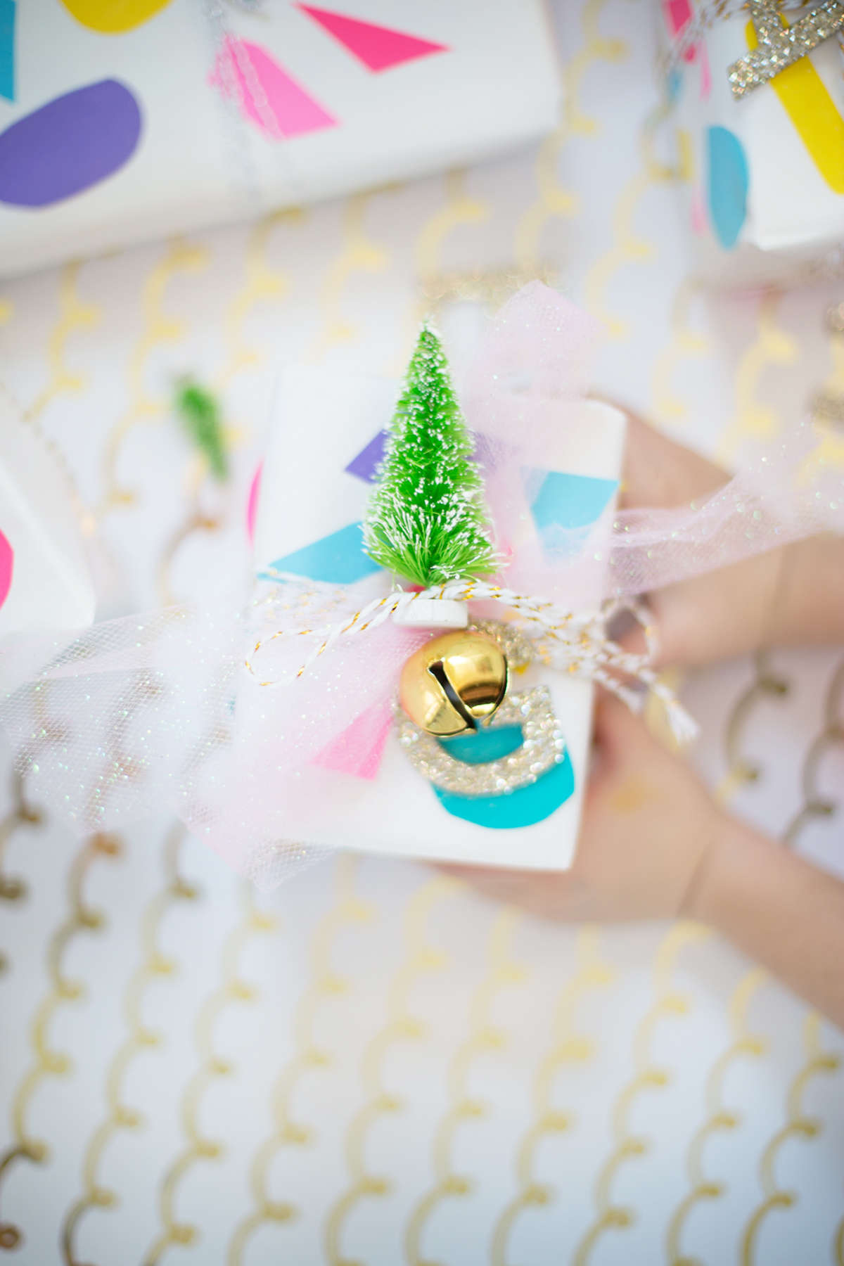 astrobrights-christmas-wrapping_lay baby lay-03