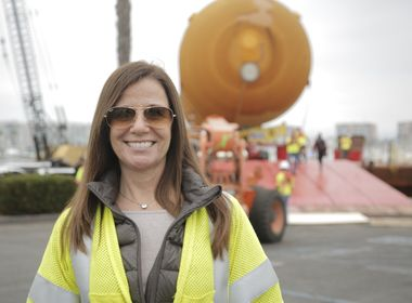 Last Space Shuttle External Tank Gets Some Help Coming to Its New L.A. Home