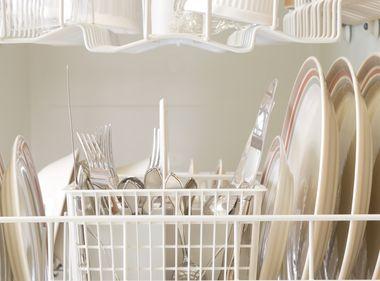 6 Ways to Make your Dishwasher Energy Efficient