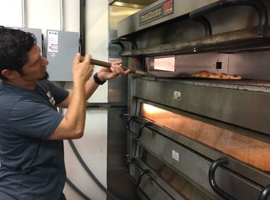 Perfecting Pizzas in Energy-Efficient Ovens