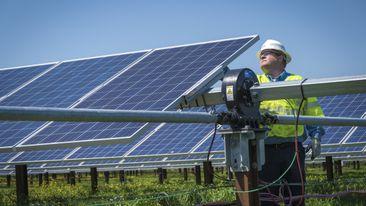 Duke-Energy-Solar-Panels01