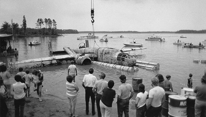 More than 1,500 people witnessed the B-25 bomber being raised out of Lake Greenwood, S.C., in 1983.