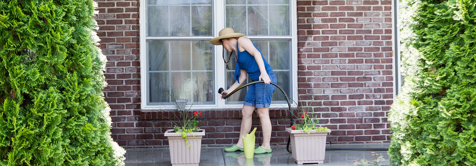 4 outdoor spring cleaning safety tips