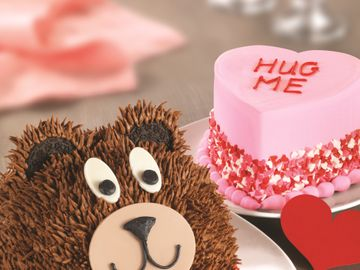 Teddy+Bear+Cake+and+Conversation+Heart+Cake