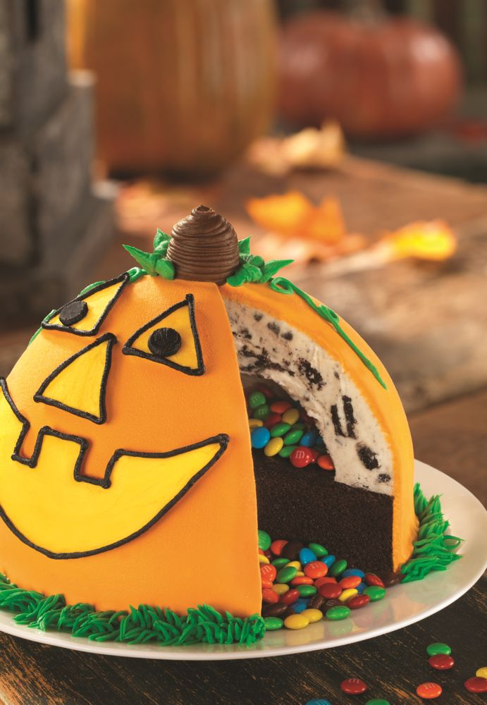 NO TRICKS, JUST TREATS! BASKIN-ROBBINS CELEBRATES HALLOWEEN SEASON WITH NEW PIÑATA PUMPKIN PATCH CAKE AND TRICK OREO® TREAT FLAVOR OF THE MONTH