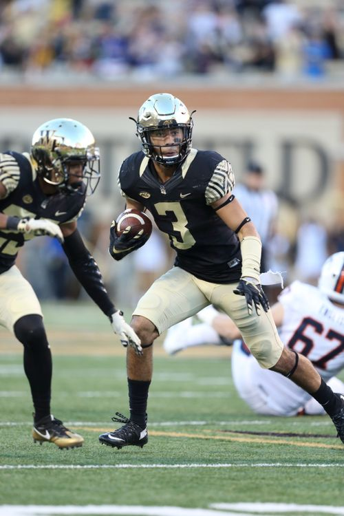 Wake Forest and Temple Square Off in the Military Bowl presented by Northrop Grumman