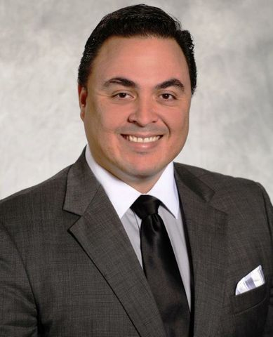 Jose Borges Receives Luminary Award at HENAAC Conference