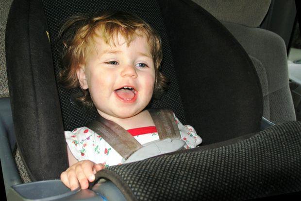 toddler girl carseat