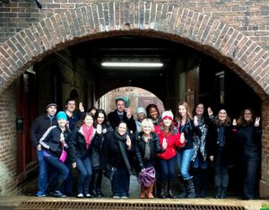 "Hunger Games Fans on the Atlanta Movie Tour ""Girl on Fire"""