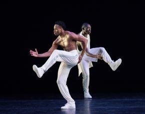 Jeroboam Bozeman and Chalvar Monteiro in Rennie Harris' Exodus